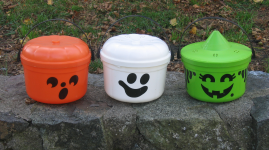 If McDonald's Can Resurrect Szechuan Sauce, Then It's Time to Bring Back McBoo and Friends Halloween Pails